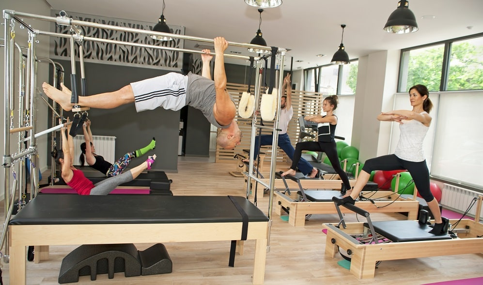 men doing pilates