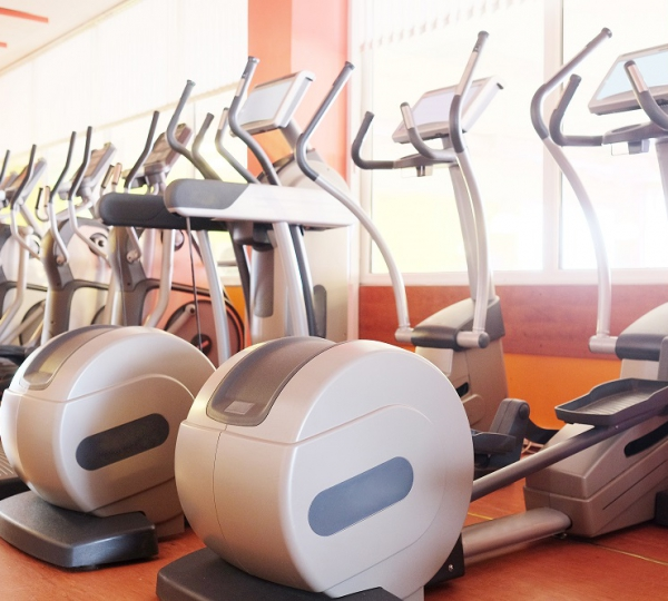 Rowing Machine vs Elliptical: Muscles Used, Calories Burned, and More